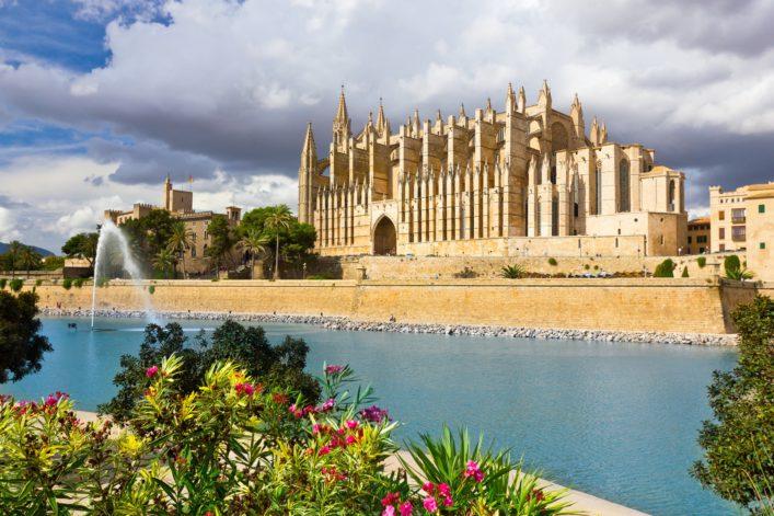 The Cathedral of Santa Maria of Palma de Mallorca, La Seu, shutterstock_229726000