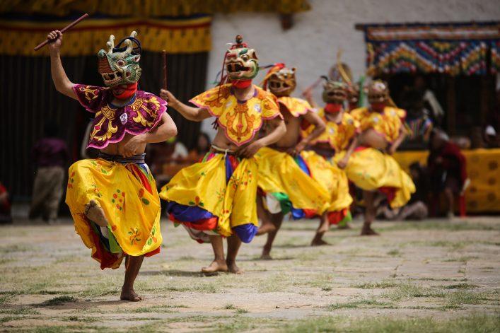 Tänzer im Bhutan