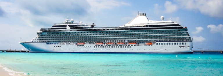 Side view of luxury cruise ship in Grand Turk, Turks and Caicos Islands, the Caribbean shutterstock_376446427-2
