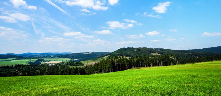 summershot-in-sauerland-istock_000074121091_large-2-e1463998226587