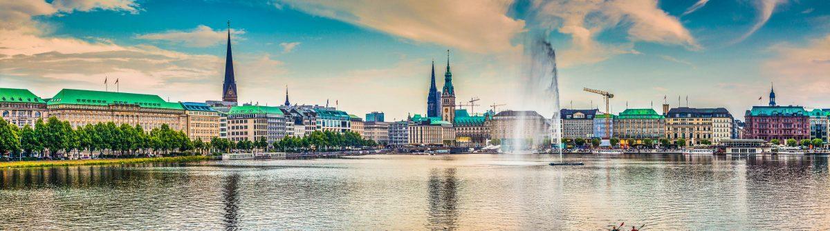 Hamburg Panorama shutterstock_257781844-2