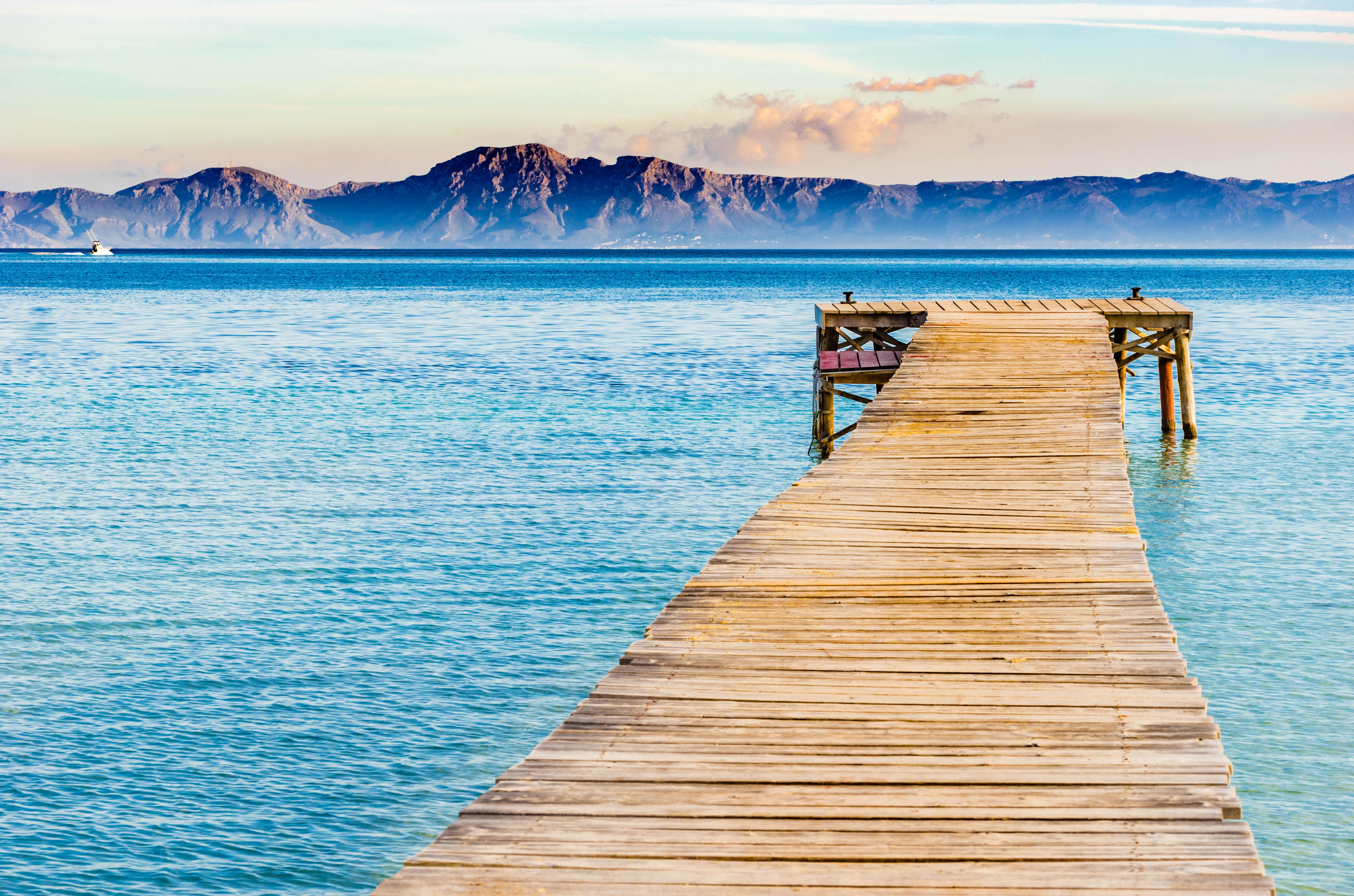 Alcudia das urlaubsparadies im norden von mallorca for Design hotel mallorca strand