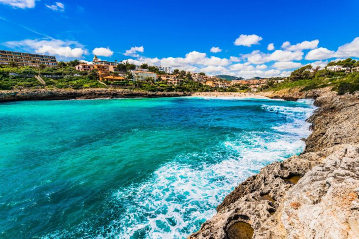 Idyllic view of the bay Cala Mandia beach Majorca, Spain shutterstock_584301406-2 Kopie