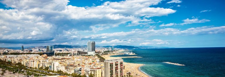 Küste von Barcelona iStock_000014446921_Large-2