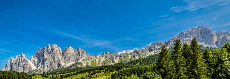 Tirol, Tal, Breit, Berggipfel iStock_000079930399_Large-2