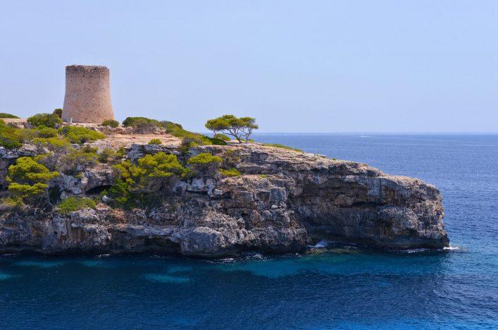 Der Torre de Cala Pi auf Mallorca