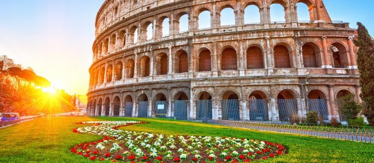Rom Kolosseum_shutterstock_404820004