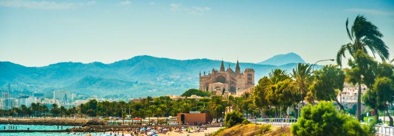View of the beach of Palma de Mallorca_shutterstock_336903863