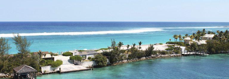 Nassau, Bahamas iStock_000047644962_Large