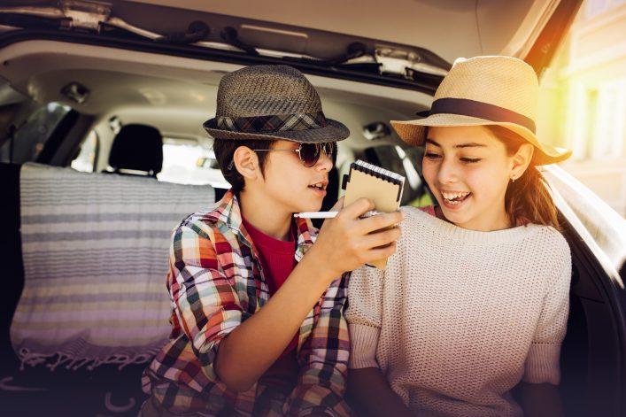 Unterhaltung für Kinder im Urlaub Auto Beschäftigung