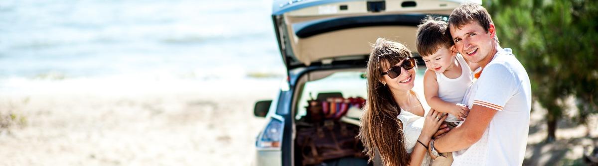 Unterhaltung für Kinder im Urlaub Auto Strand