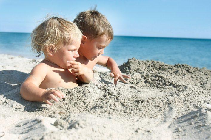 Unterhaltung für Kinder im Urlaub Strand
