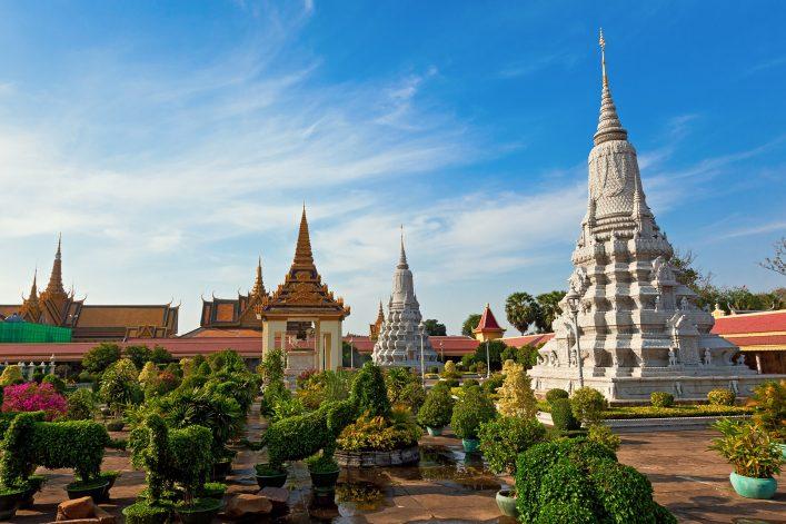 royal palace kambodscha shutterstock_111868859