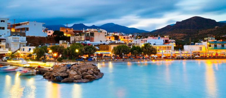 Kreta Night Harbour iStock_000078638209_2000_pix