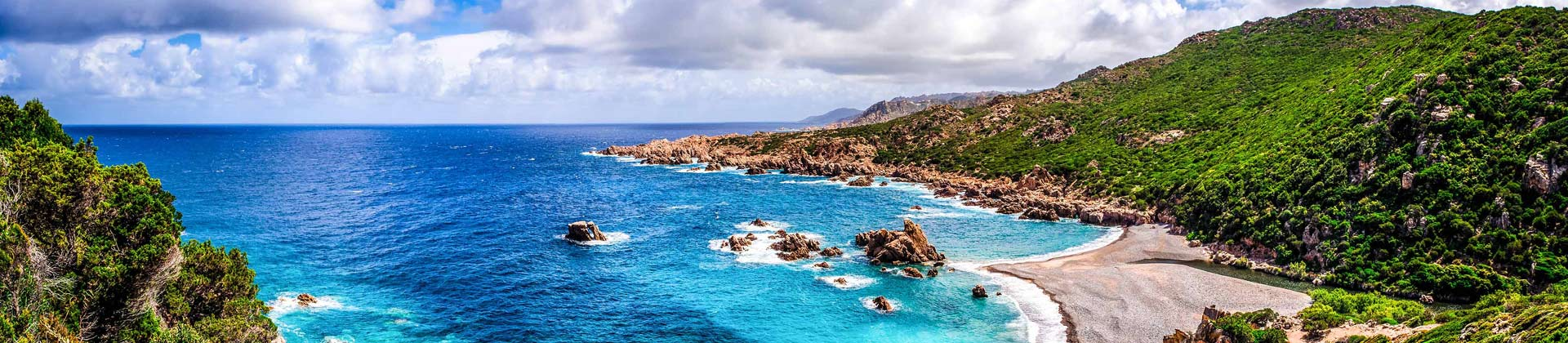 De kust van Sardinie