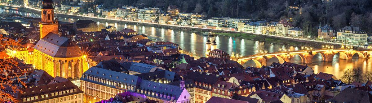 Weihnachtsmarkt Heidelberg shutterstock_124343164