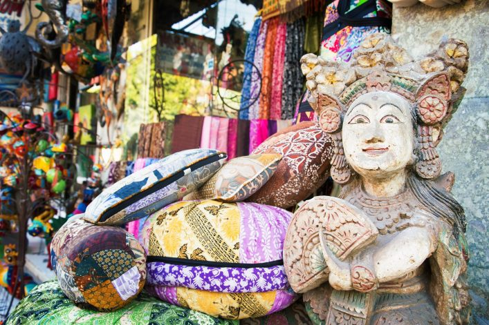 Balinese statue at the entrance of Ubud street market