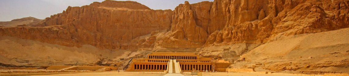 Der Tempel der Hatschepsut in der Nähe von Luxor, Ägypten iStock-523628106-2