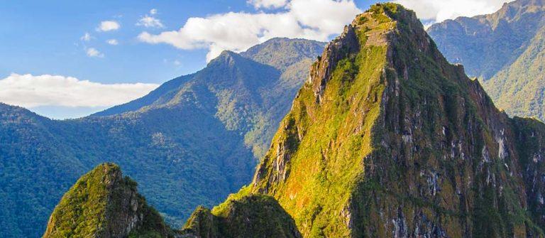 Machu Picchu (Peru, Southa America), a UNESCO World Heritage Site_shutterstock_147330281
