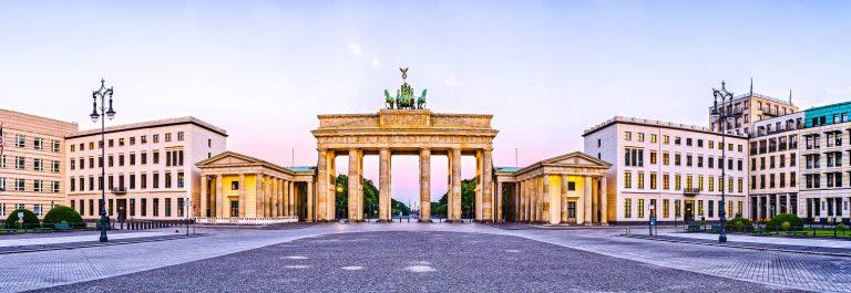 Berlin Brandenburger Tor shutterstock_215961715 – SMALL