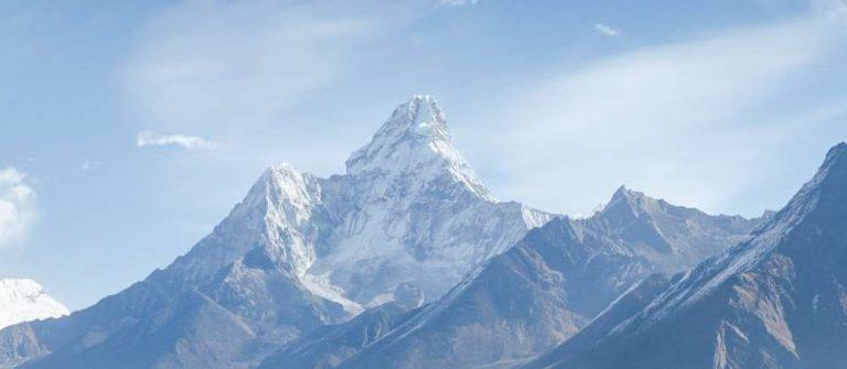 Gebirgszug in Nepal zur besten Reisezeit