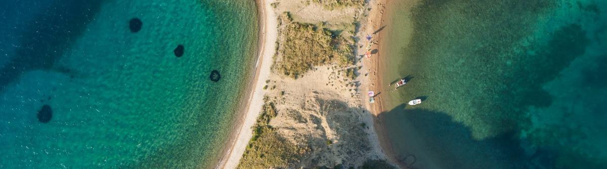 Ein paradiesischer Strand auf einer vorgelagerten Insel von Rab.