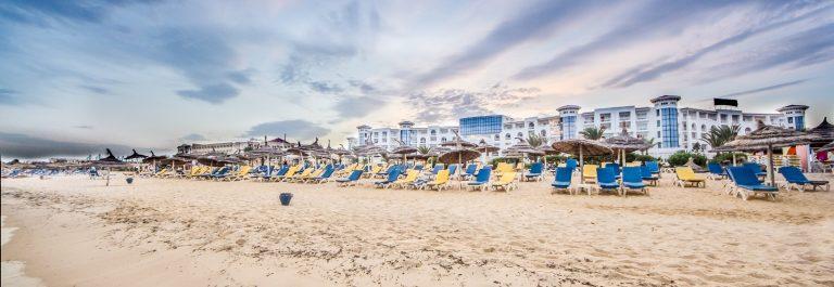 beach-hammamet_shutterstock_116564527 (1)