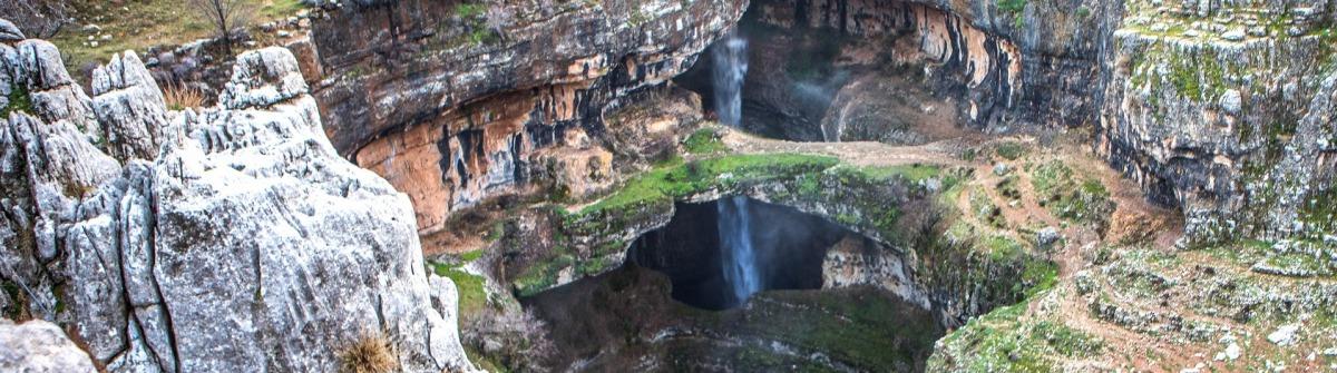 Die Cave of Three Bridges im Libanon