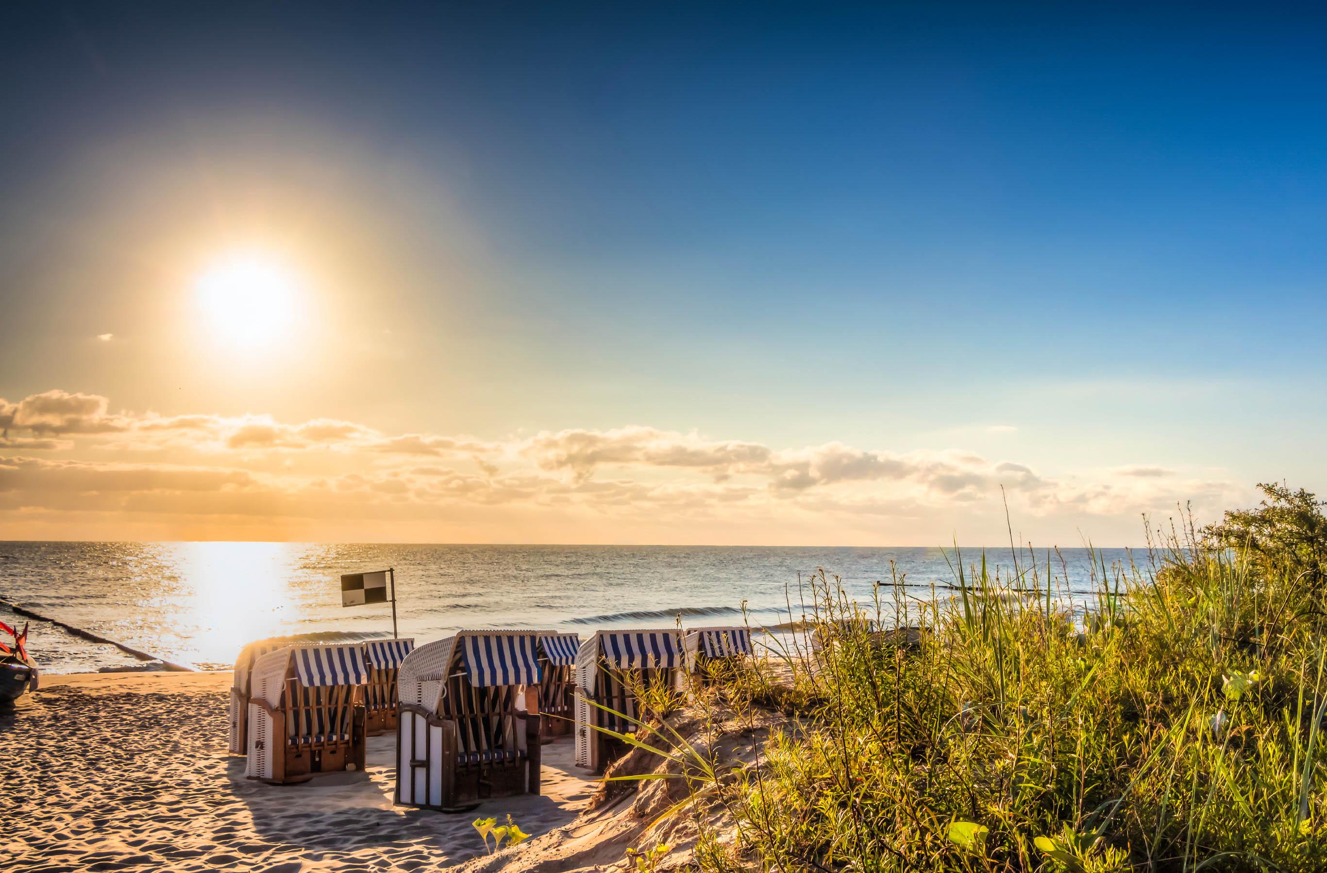 Bilder Am Strand : urlaub an strand meer deutschlandliebe by urlaubsguru ~ Watch28wear.com Haus und Dekorationen