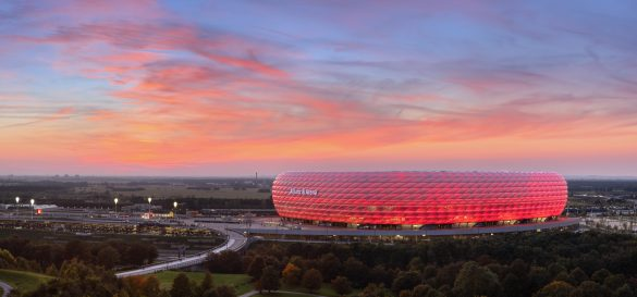 Die Allianz Arena bei Sonnenuntergang