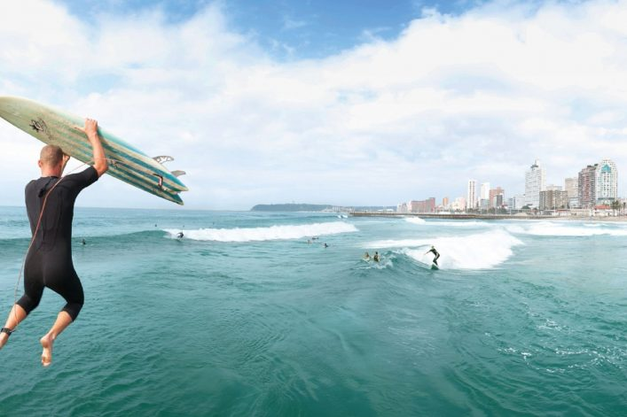 Green Season: Surfer am Durban Beach