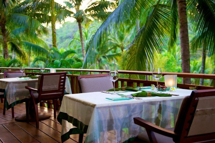 Essensmöglichkeiten gibt es auch im Dschungel im Urlaubsguru Island
