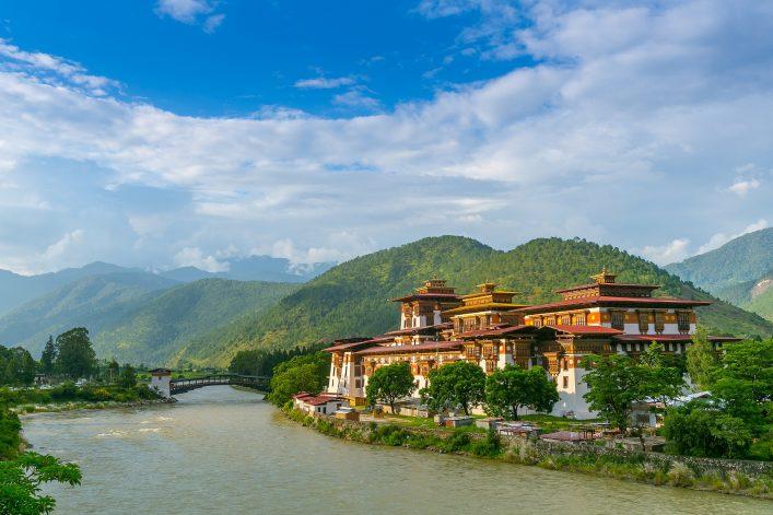 shutterstock_555335869_Punakha Dzong