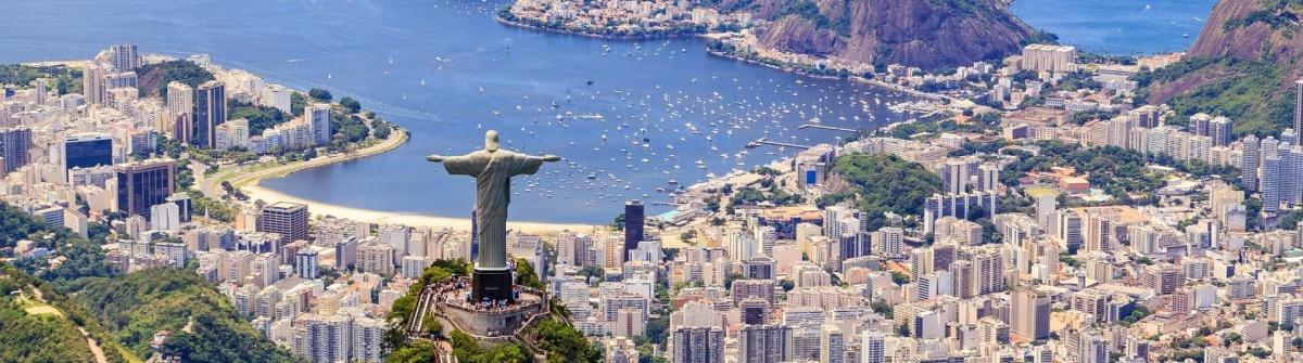 Blick auf die Christusstatue Cristo Redentor in Rio de Janeiro.