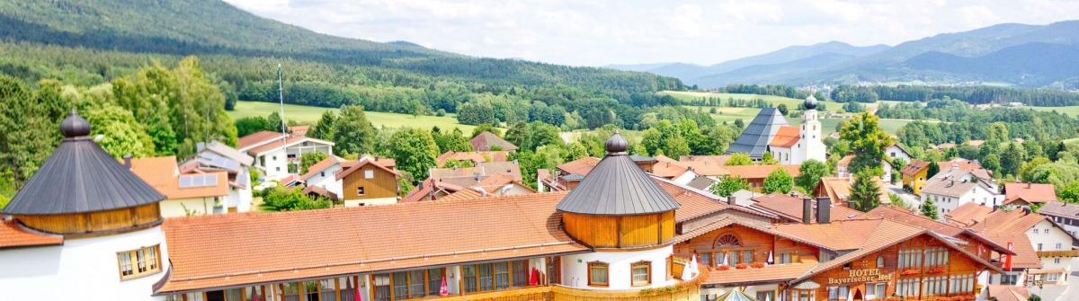 Bayerischer-Hof-Luftaufbild-a_preview