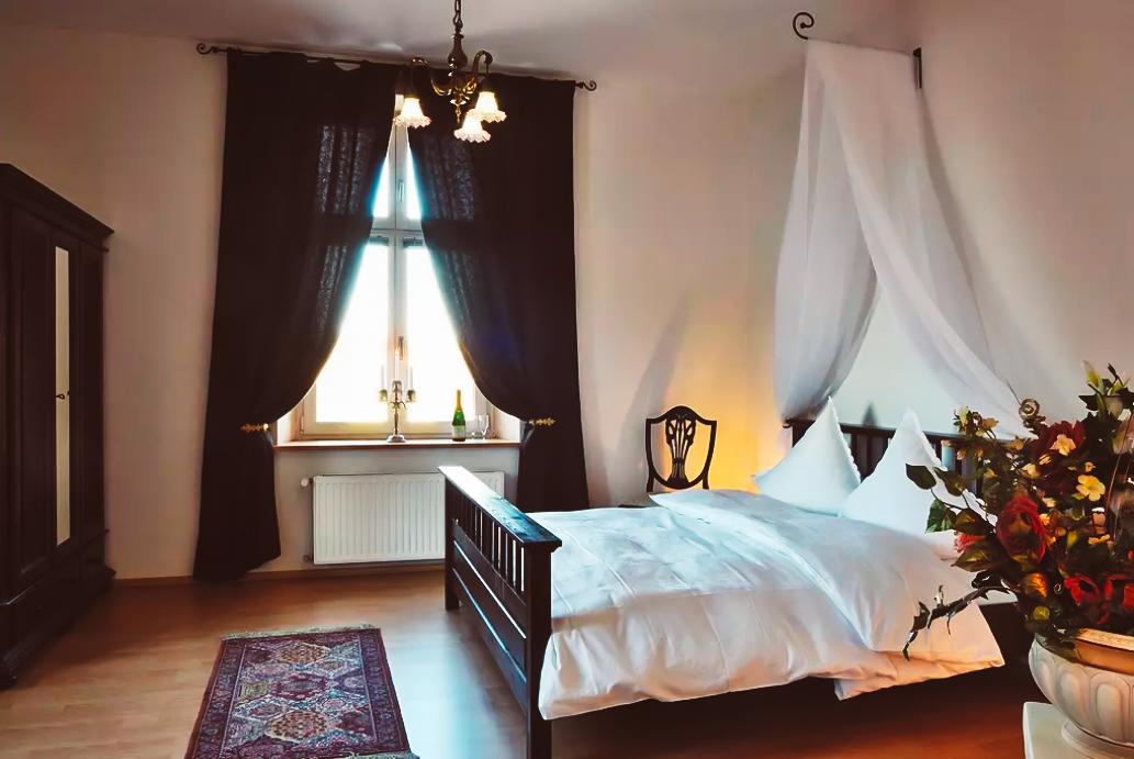 Schloss Tressow Schlafzimmer 1