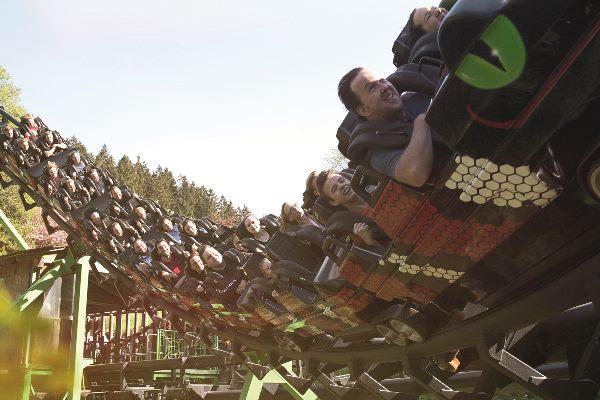 Ansicht der Speed Snake Free in voller Fahrt im Fort Fun