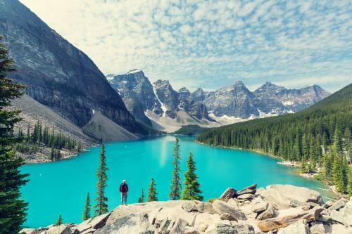 Beautiful Moraine lake in Banff National park, Canada_shutterstock_440874109
