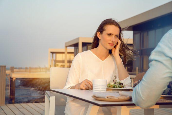 Frau in Abu Dhabi