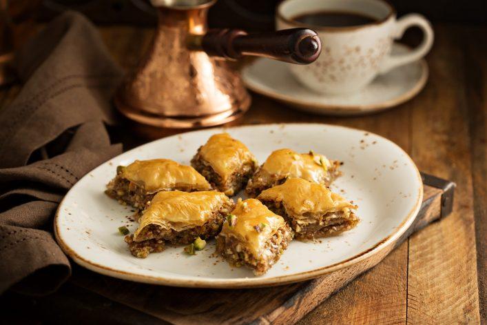 Abu Dhabi Food Guide Baklava, Kaffee